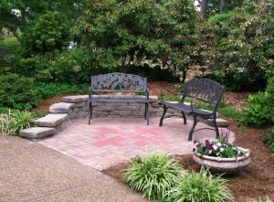 Sitting area, St. Stephen's Memorial Garden